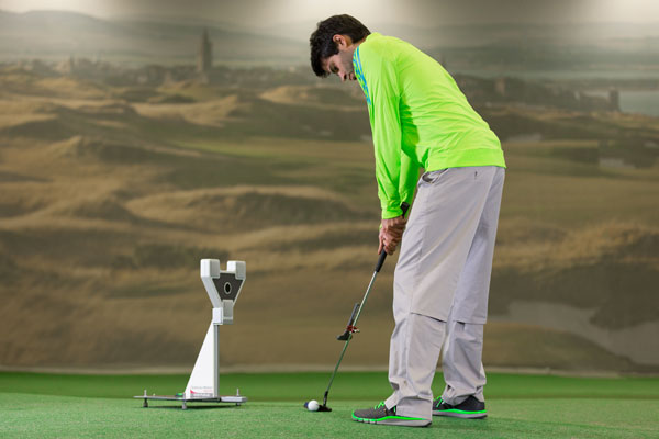 """Professional putter fitting and stroke analysis using the science and motion """"Sam Putt Lab"""""""